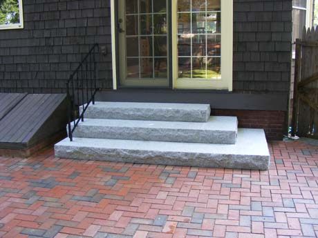 woodbury-gray-tiered-rock-face-step-set